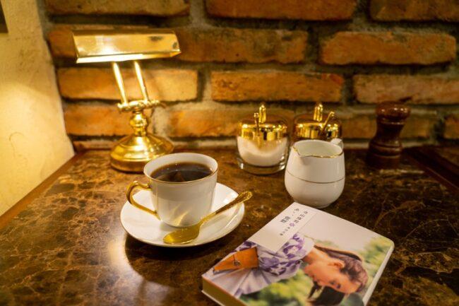 純喫茶で名文を  Vol.1 眠らない街・新宿の名喫茶で、熱狂の60年代を懐古する_10