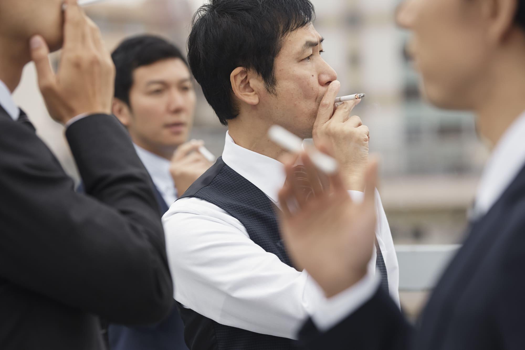タバコ_肌荒れ_老け顔