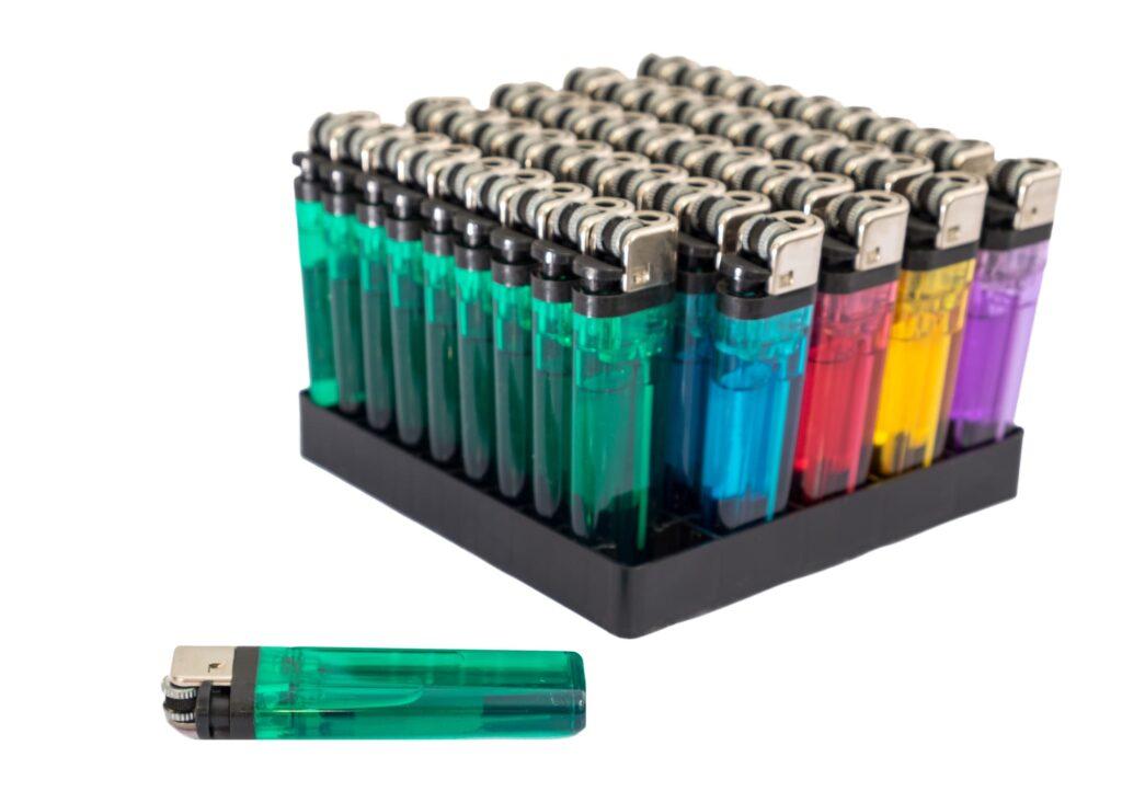 ライターを捨てる時・長期保管する時はガス抜きが必須です!